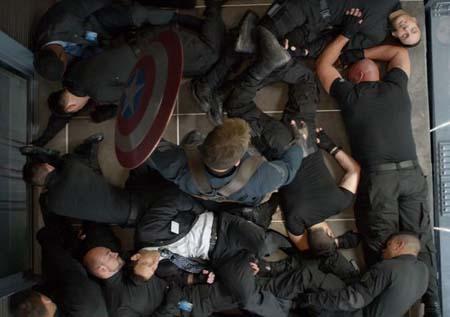 captain-america-the-winter-soldier-elevator-fight