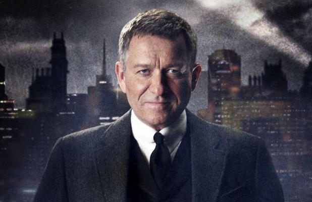 Alfred-Gotham-sean-pertwee