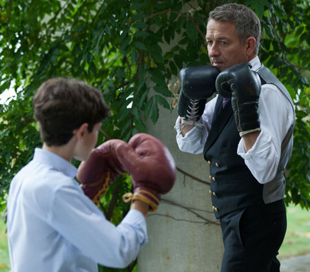 gotham-tv.-alfred-bruce-boxing