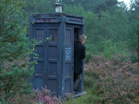 Spearhead-from-Space-doctor-who-pertwee-tardis