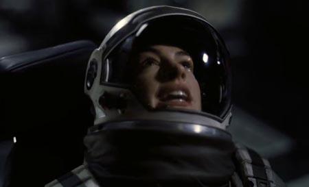 ann-hataway-interstellar-surprised