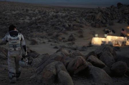 interstellar-ann-hataway-planet-edmunds