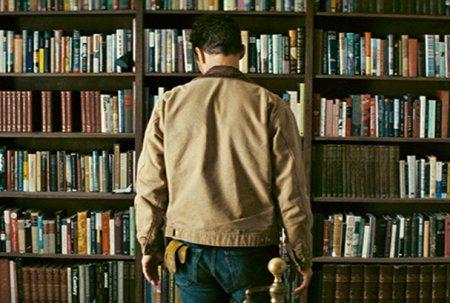 interstellar-bookshelf-ft
