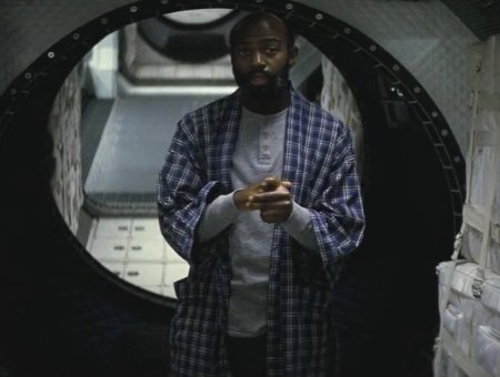 interstellar-nolan-balck-astronaut-23-years-later