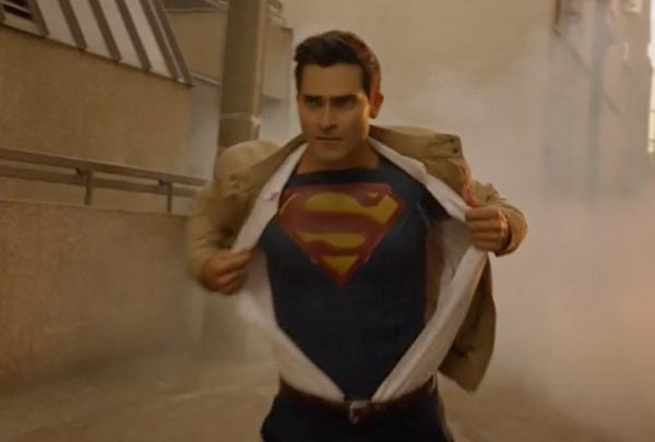 superman-supergirl-cw-tyler-hoechlin-open-shirt-reveal